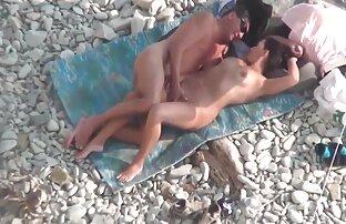 Zwei schöne Frauen vor der Kamera streicheln sich ältere damen pornos gegenseitig mit