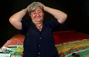 Die Jungfrau im pornofilme mit älteren damen Bett 849
